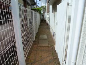 造園工事防草シートと砂利