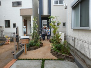 東京都江戸川区新築・完成・お客様との写真