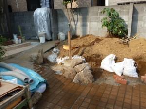 東京江戸川区リガーデン工事、木曽石積み